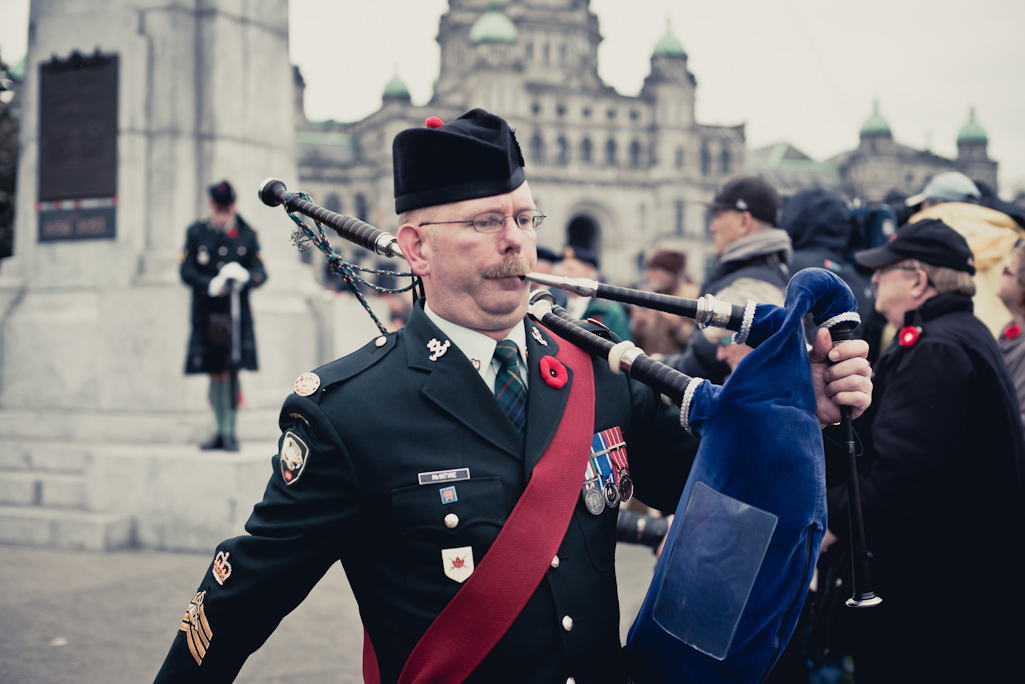 Bagpiper, Victoria, BC, Remembrance Day ceremony